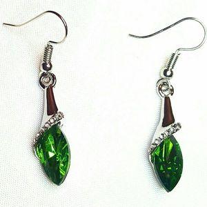 """Jewelry - 1.5"""" Sil Pl Emerald Green Crystal Pierced Earrings"""